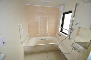 住宅型老人ホーム花畑別館のバリアフリー浴室