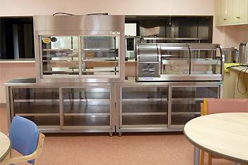 ブッフェ方式配膳施設と食温ケース